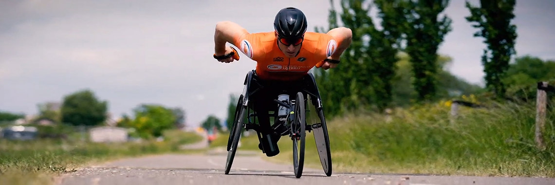 Paralympiër Jetze Plat in inspirerende video